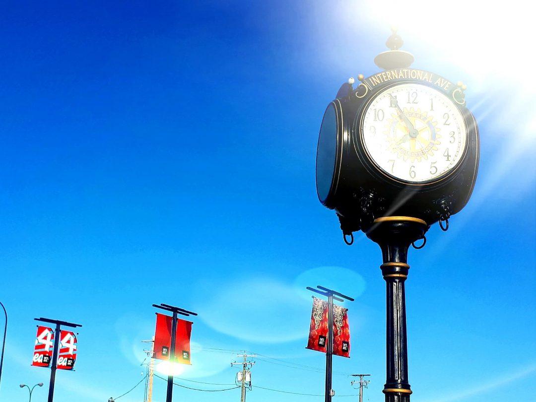 Int Ave Clock